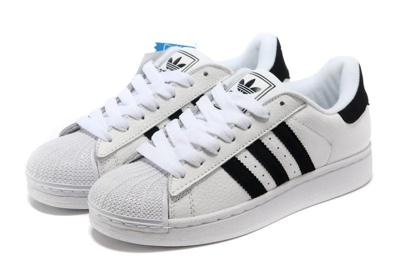 À En De Sortie Chasse Chaussures Adidas Soldes La FemmeChaussure ybf76g